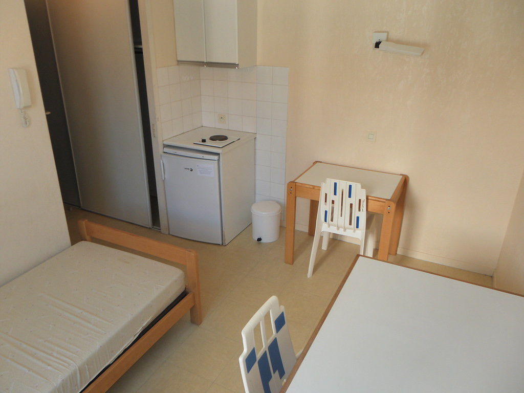 R sidence universitaire crous arancette bayonne chambr for Appartement universitaire bordeaux