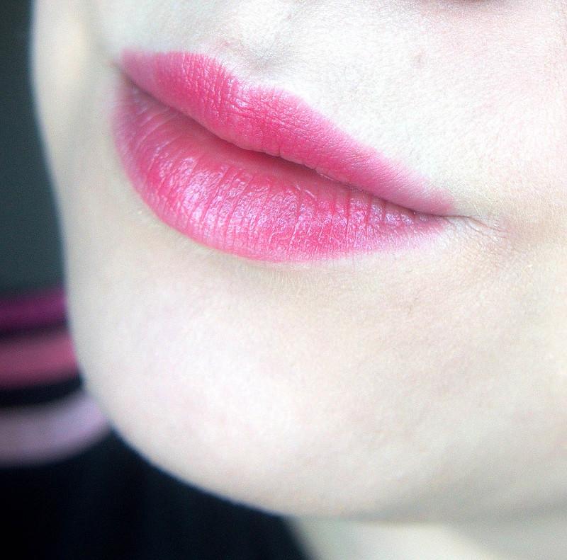 pinkki huulipuna