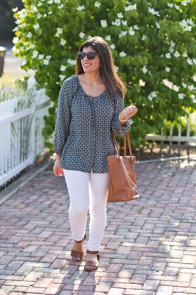 black and white tunic, white jeans, leather tote.jpg