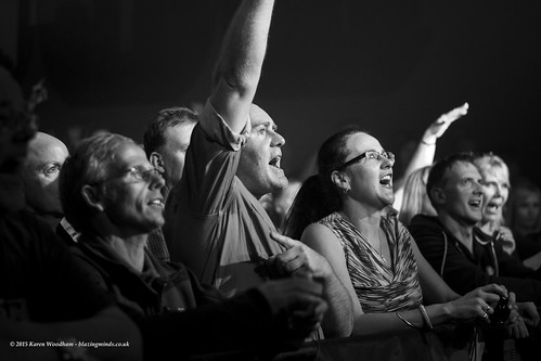 Tom Bailey at The Tivoli (Crowd Shot) (©2016 Karen Woodham/Blazing Minds)