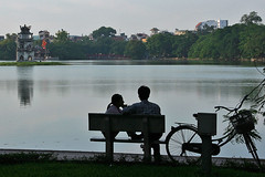 Lovers at Hoan Kiem Lake - Hanoi | by sistereden2