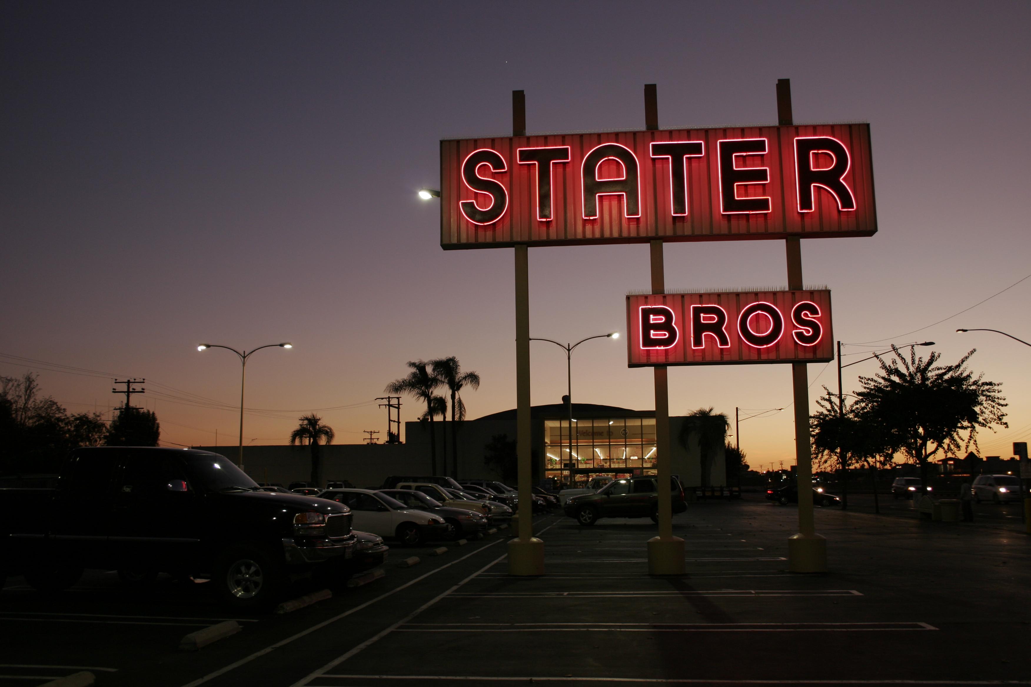 Stater Bros. - 2180 Newport Boulevard, Costa Mesa, California U.S.A. - December 3, 2005