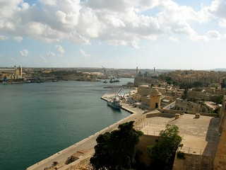 Valletta bay img 0807 uitzicht op de baai bij valletta m flickr - Planter uitzicht op de baai ...