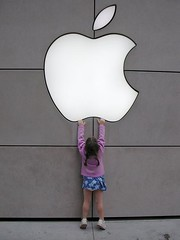Apple logo in Chicago | by Nicolas Gompel