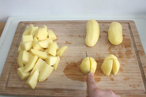 34 - Kartoffeln zerschneiden / Cut potatoes