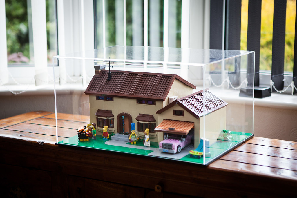 Lego simpsons house case bespoke custom fabricated for Displaying pictures in your home