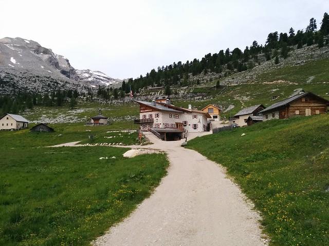 Lavarella Hütte