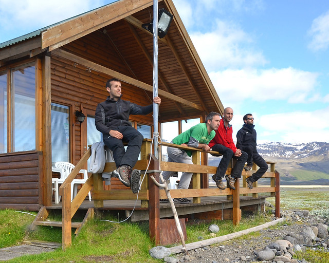 En una cabaña de madera de Islandia cerca de la laguna de Jökulsárlón