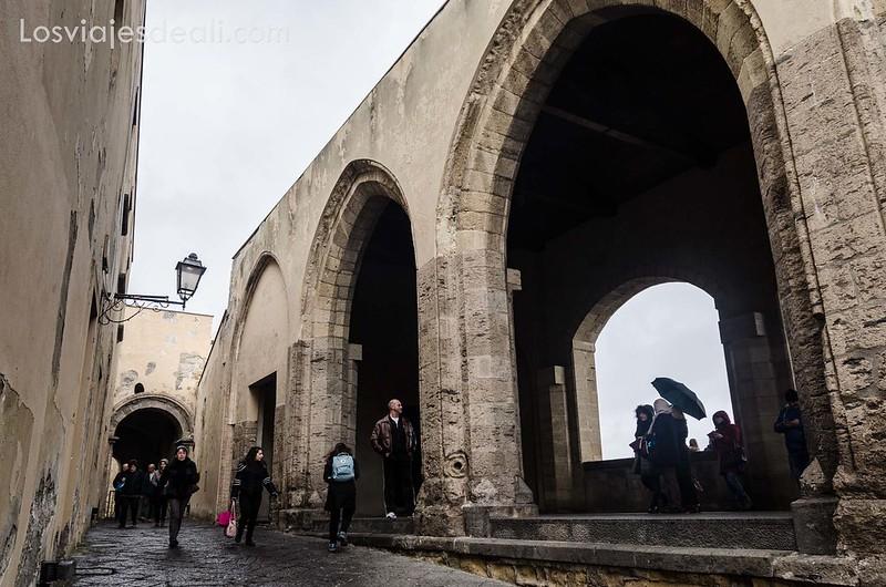 castell dell'Ovo en paseos por Nápoles