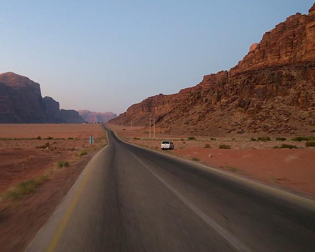 LLegando desde Rum en 4x4 hasta el punto de despegue de globos de Wadi Rum