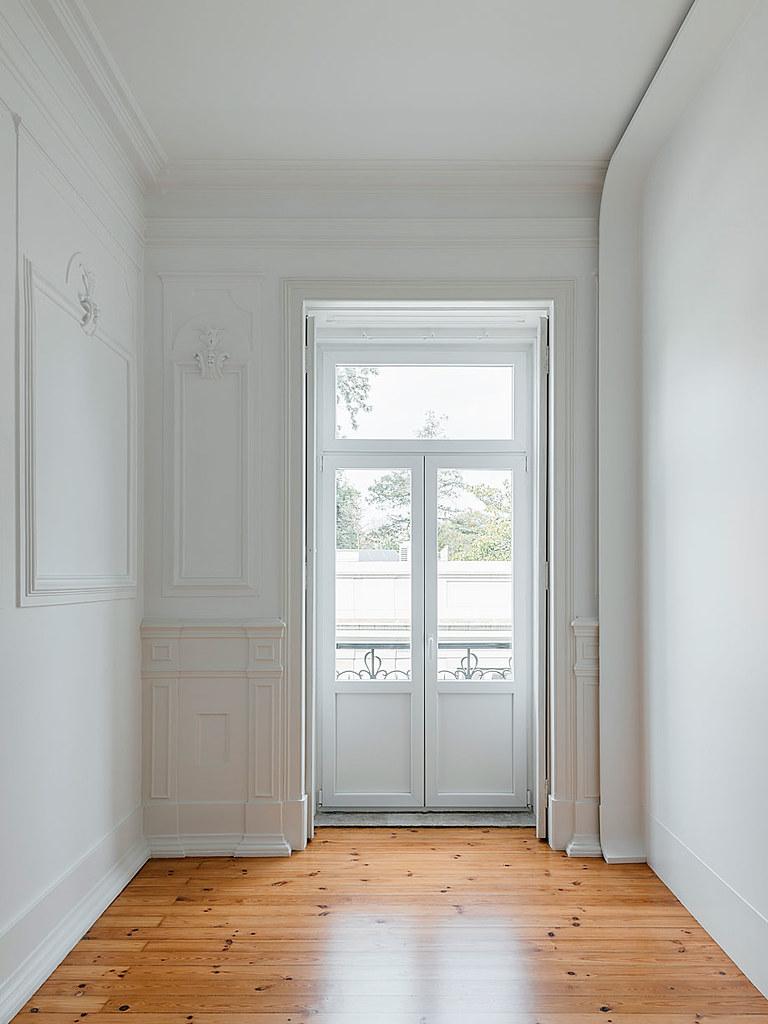 Classic apartment interior in the Lisbon Sundeno_14