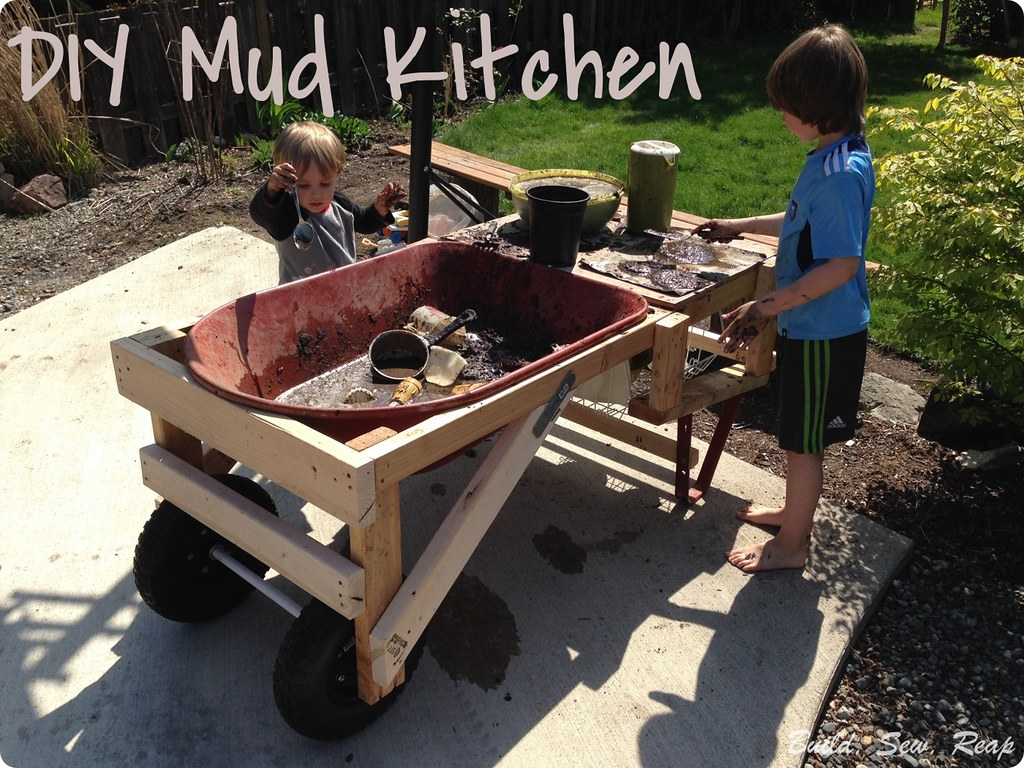 Mud Kitchen by Julie at Build, Sew, Reap