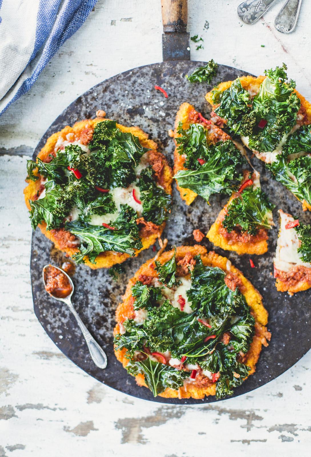 Sötpotatispizza med grönkål - Evelinas Ekologiska