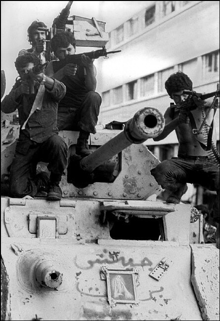 Staghound-MkIII-christians-beirut-1976-mgn-1
