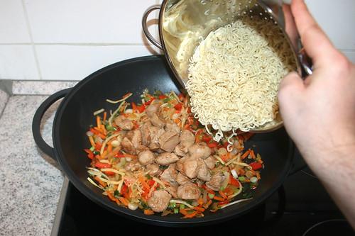 50 - Mie-Nudeln addieren / Add mie noodles
