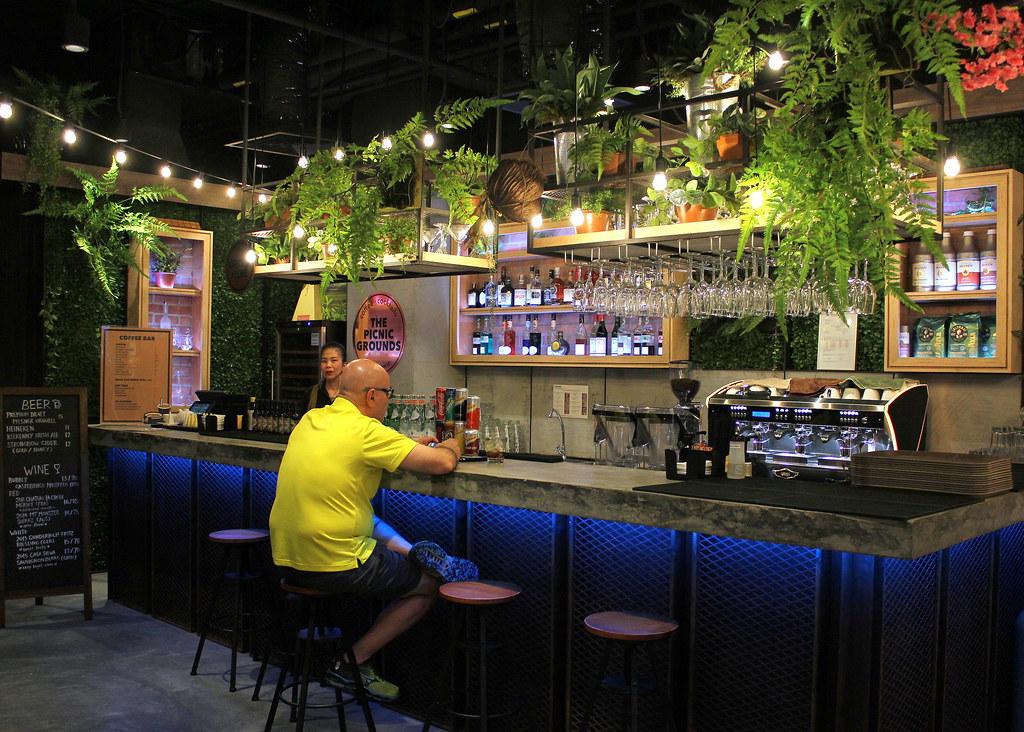 picnic-singapore-bar