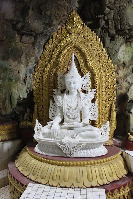 20150215_4751-white-marble-Buddha_resize
