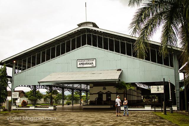 Museum KA19-9878crw