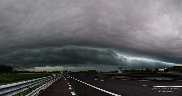 Shelf cloud panorama 2
