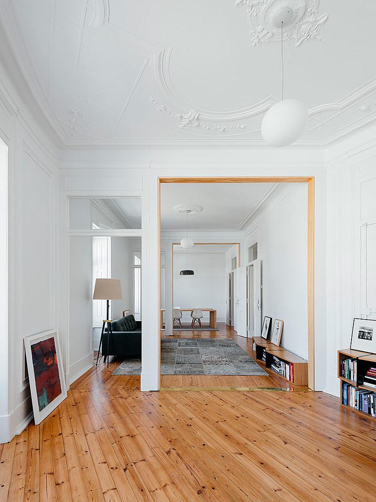 Classic apartment interior in the Lisbon Sundeno_09