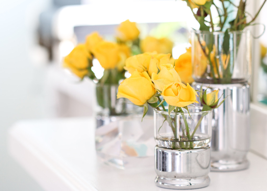 Yellow Roses In Small Glass Vase On Table Proflowersc Flickr