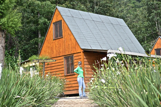 ustic wooden cabin - La Ruta del Yalu