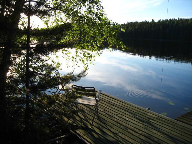 juhannusmökki1, juhannus, mökki, suomi, midsummer, kesäkuu, keskikesä, juhla, kesä, koivu, vihreä, metsä, luonto, laituri, järvi, lake, nature, forest, green, tyyni, vesi, kuusi,