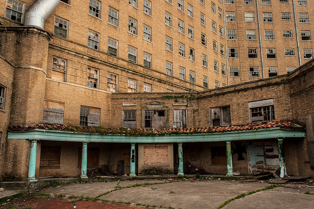 Mineral Wells, Texas: The Baker Hotel