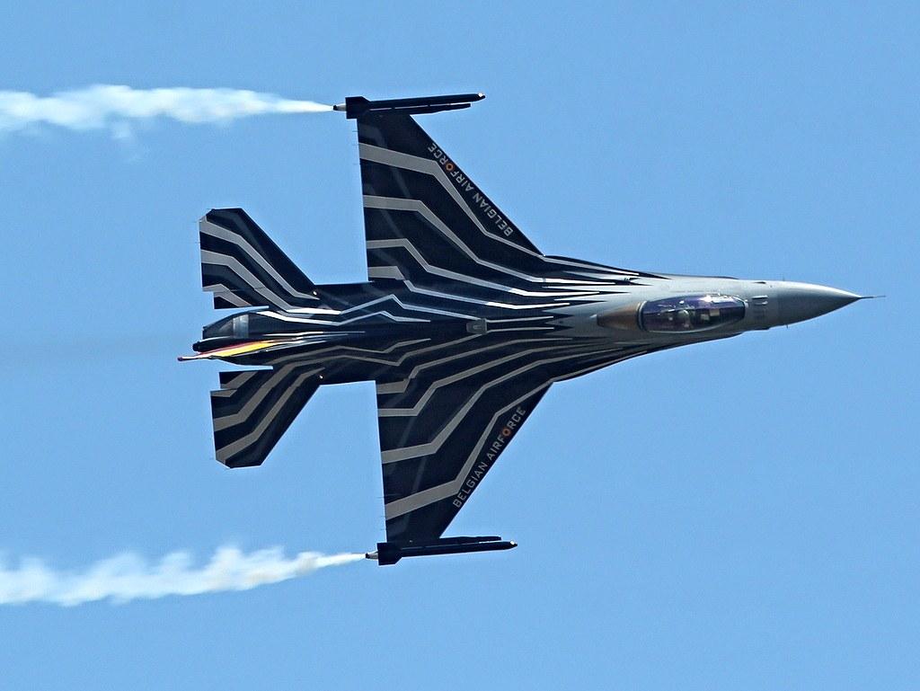 Belgian Air Force F16 solo display 19053110736_7a6f0dc76e_b
