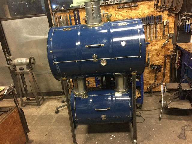 REW10 Made BBQ Smoker