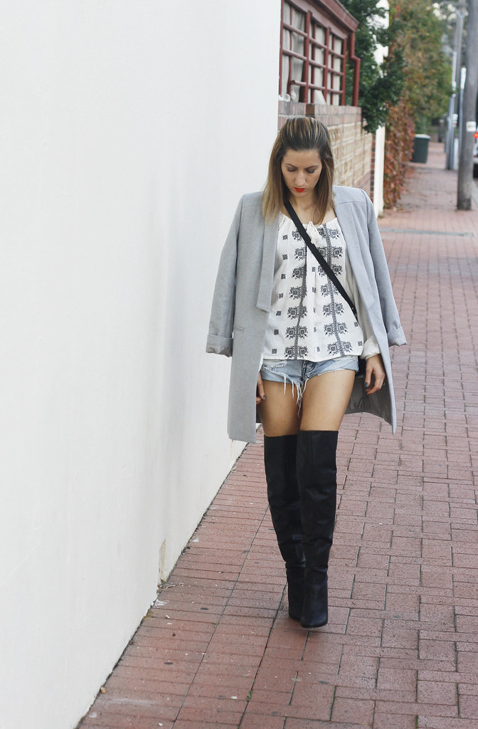 Knee high boot, Grey coat, One Teaspoon shorts
