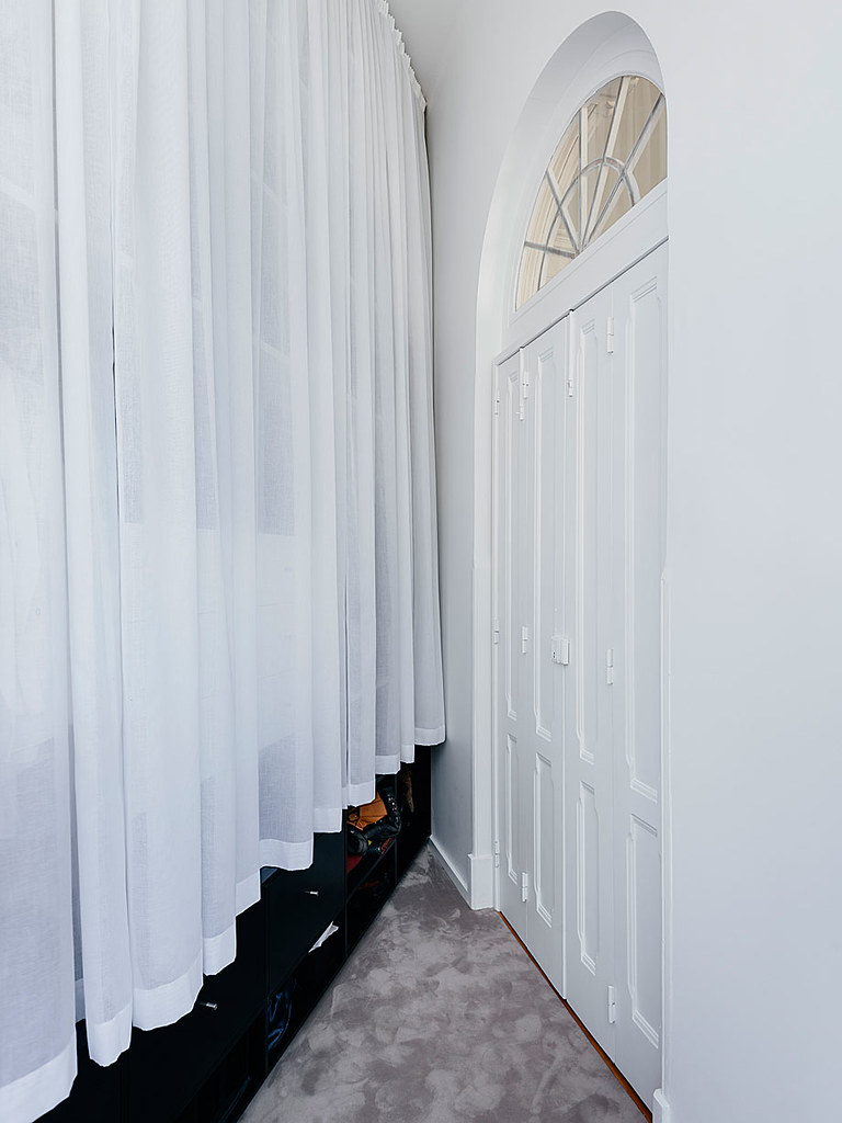 Classic apartment interior in the Lisbon Sundeno_22