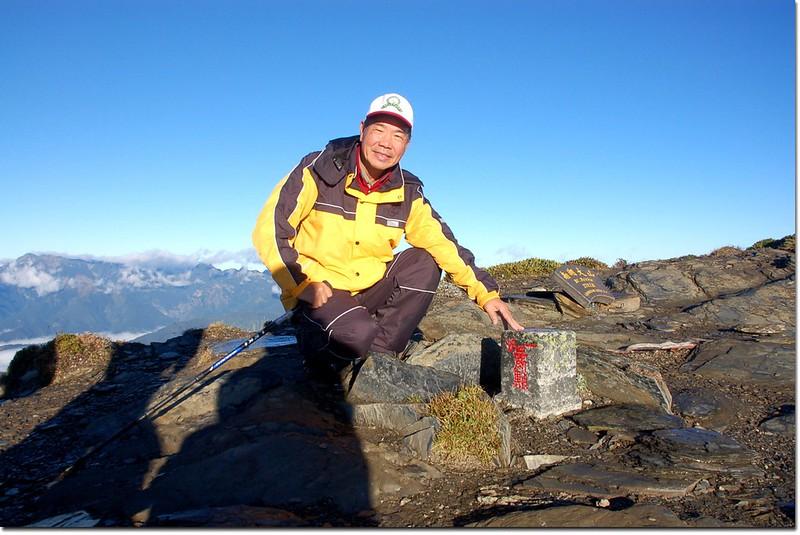 南湖大山一等三角點(Elev.3742 m)