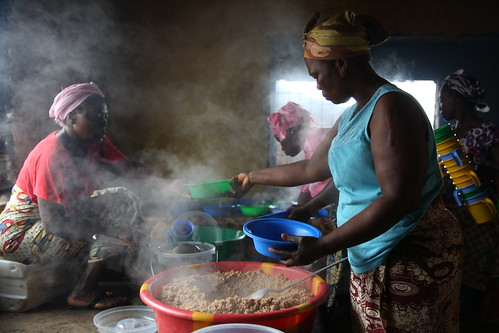 Cooks prepare meals | by World Bank Photo Collection