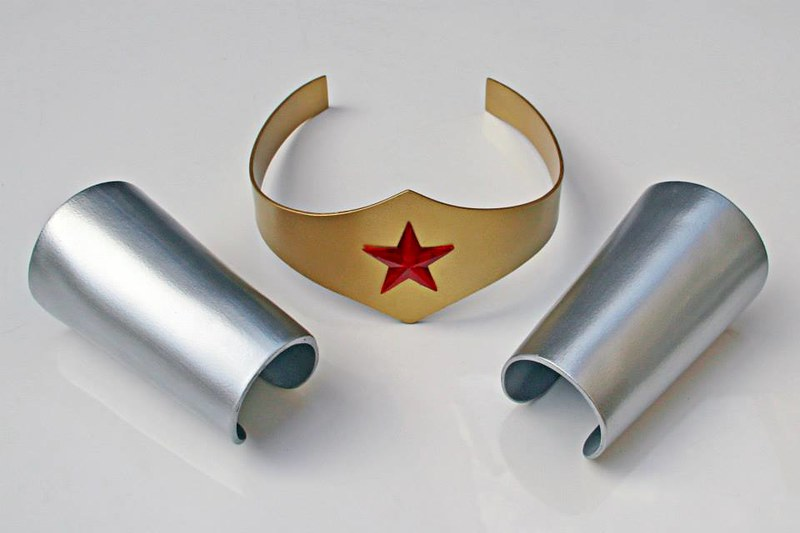 Movie, TV and comic book prop replicas by Ricardo Coutinho Dos Santos - Wonder Woman's tiara and arm bracelets