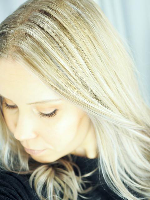 PC219889.jpgGrayLightBlondeHighlightsNewHairPC219839.jpgLightGrayBlondeHairNewHair, new year new hair, uusi vuosi uudet hiukset, cold blonde highlights, kylmän vaaleat raidat, hopea, silver, cold, kylmä, clear, kirkas, haircolor, hiustenväri, kampaaja, kampaamo, hairdresser, helsinki, hiukset, hair, kauneus, beauty, vaaleat hiukset, blonde hair, blond, hairstyling, hiusten muotoilu, kiharat, curls, pitkät hiukset, long hair, cold light color, silver tone, hopean sävy, kylmä sävy, cold silver, light blond, cold tone,
