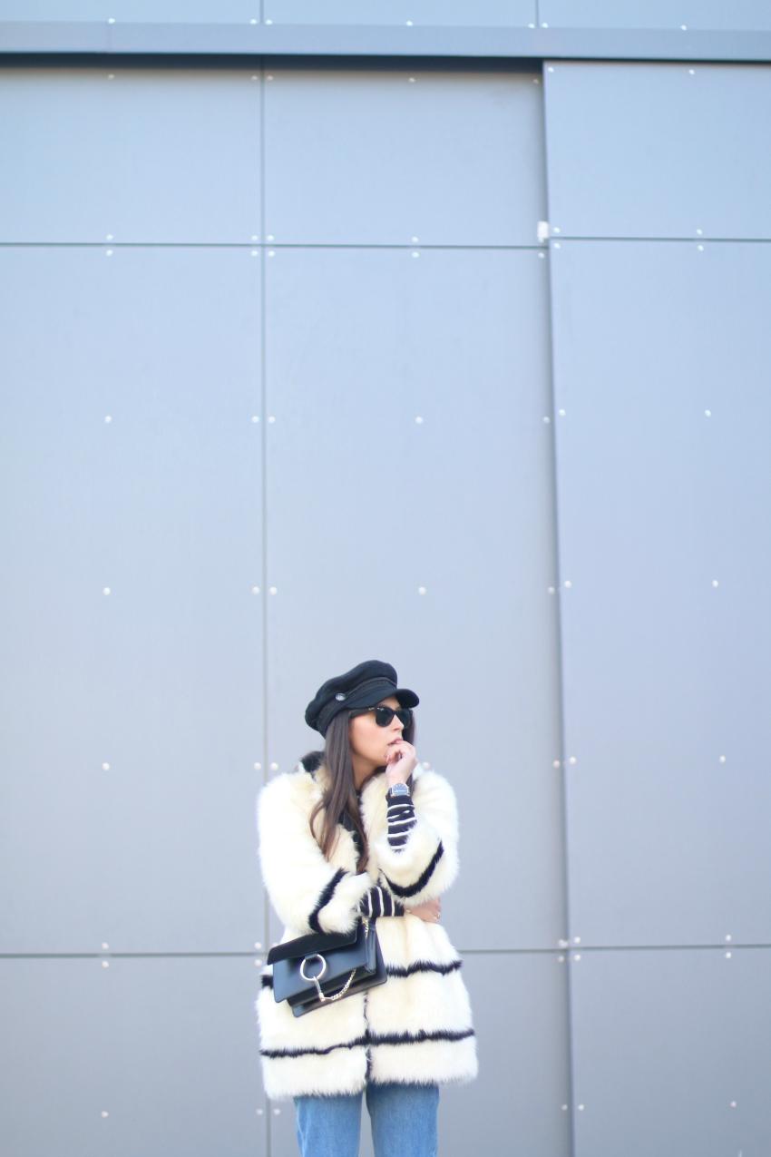 abrigo-de-pelo-negro-y-blanco