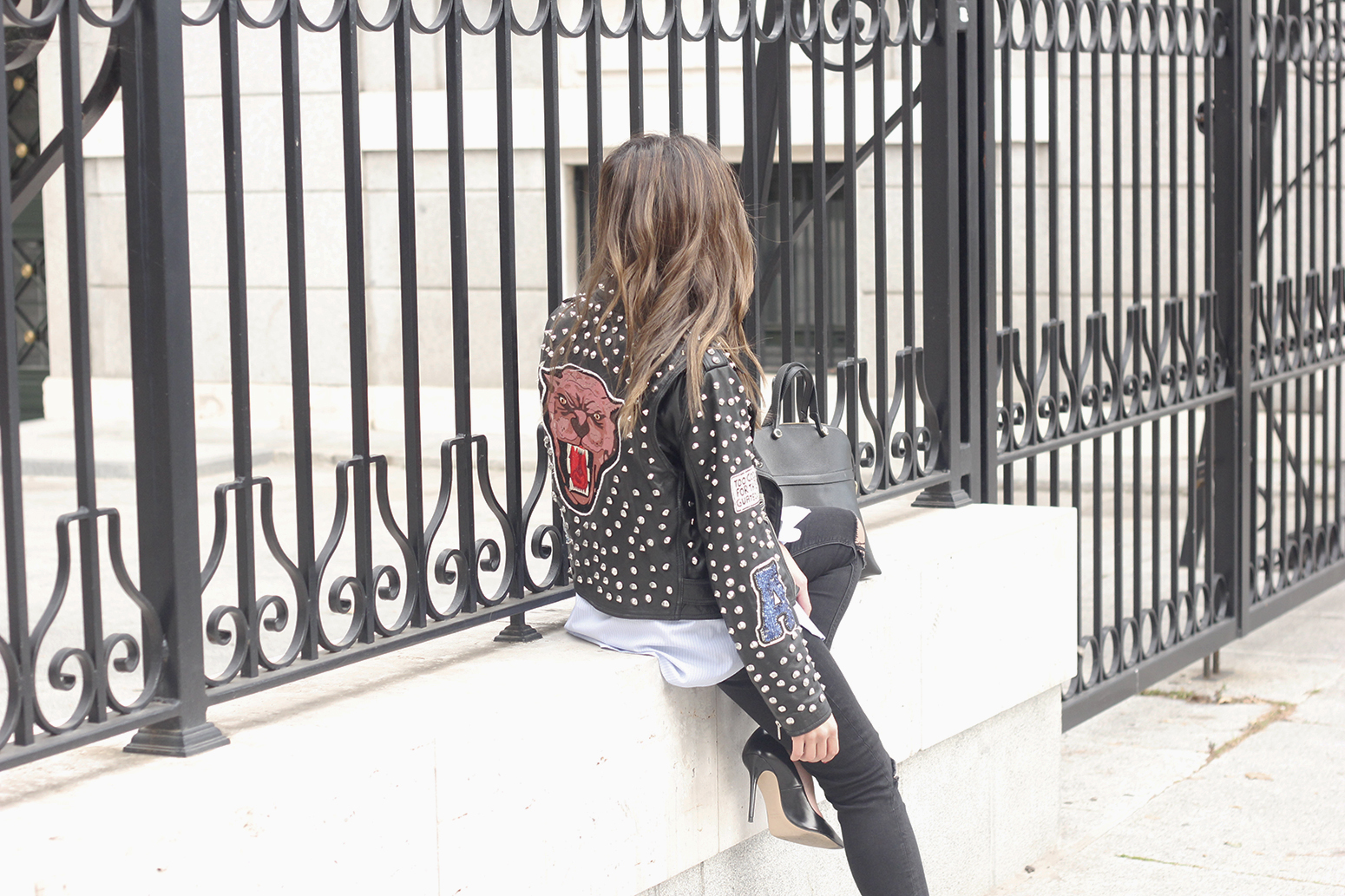 Leather Jacket With Studs And Patches ripped jeans heels furla bag céline sunnies04