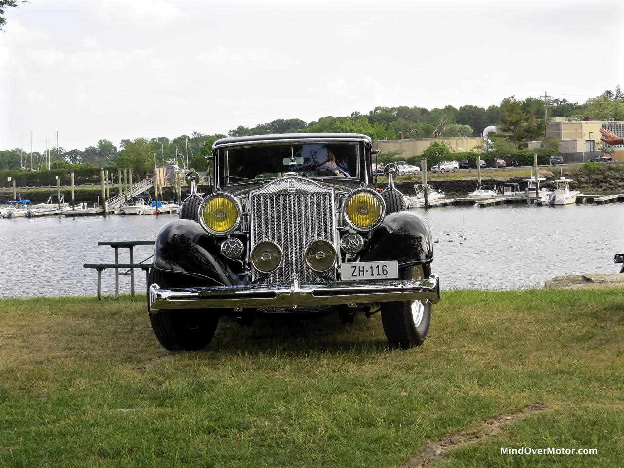 1935 Packard 1201 Front