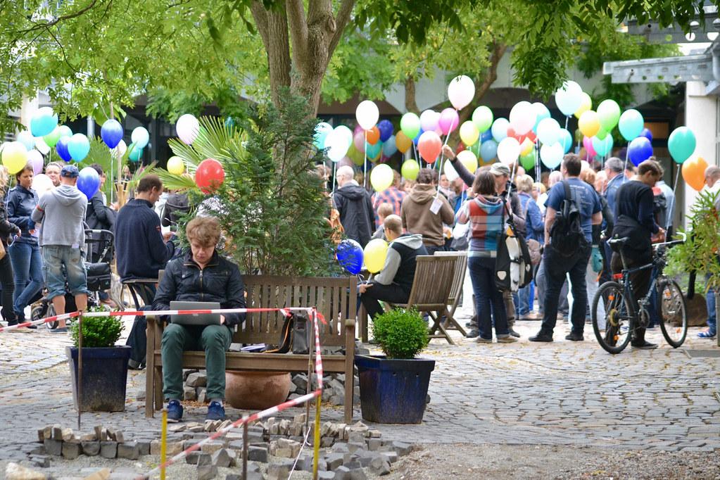 Einweihung Edward-Snowden-Platz in Dresden