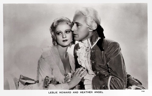 Leslie Howard and Heather Angel in Berkeley Square (1933)