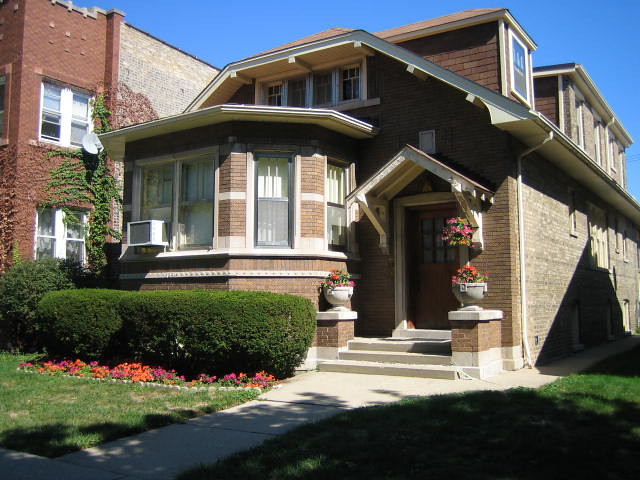 bungalow - chicago | typical chicago bungalow | kristen60647 | Flickr