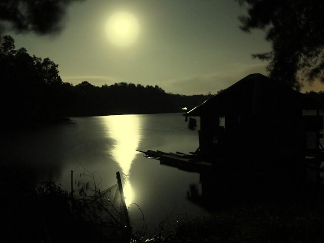 [rarerimages] eerie lake scene | The moon is reflected by ...