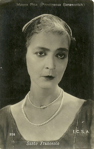 Elena Baranowitch as Monna Pica in Santo Francesco