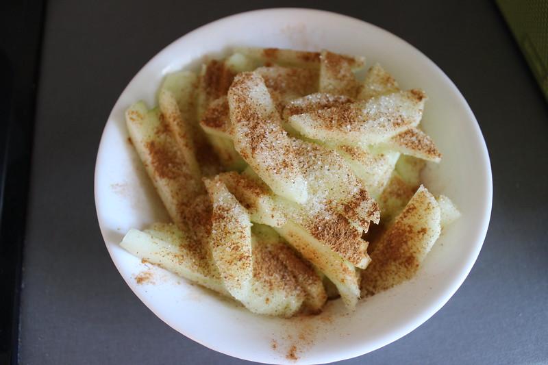 Apple cake, Et dryss kanel