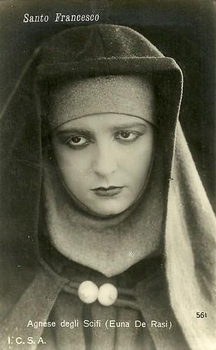 Euna De Rasi as Agnese in Santo Francesco