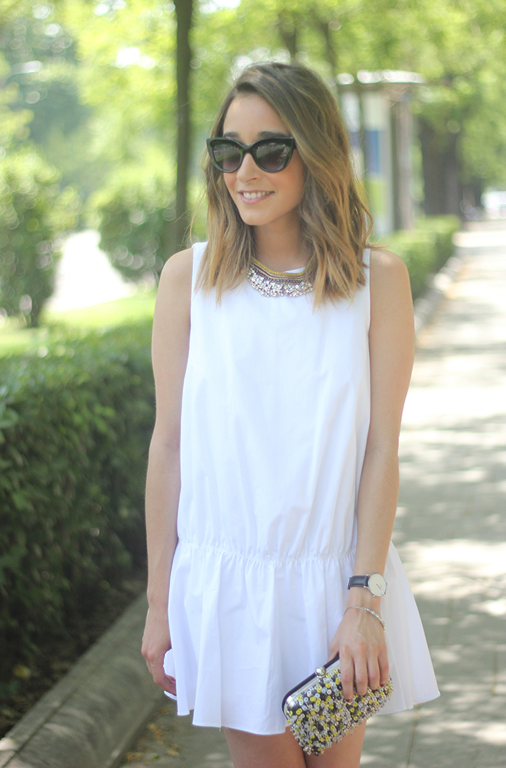 White dress black sandals12