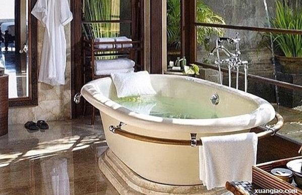 Sai lầm nhiều người mắc khi tắm vào mùa hè dễ gây đột quỵ