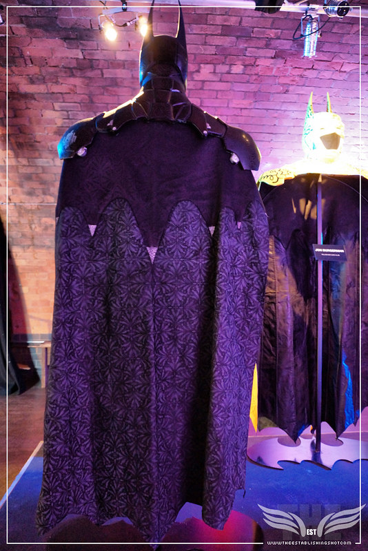 The Establishing Shot: BATMAN: ARKHAM KNIGHT CAPE & COWL EXHIBITION - GOTHIC GOTHAM (BACK) BY LOGAN HICKS - KACHETTE, LONDON