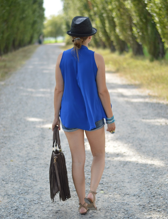 blue, wildflower girl, fashion blog, mamared bag, shorts (12)
